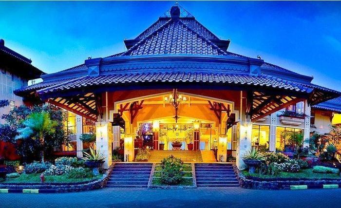 Nama Hotel Royal Orchids Garden Alamat Jl Indragiri No 4 Kota Batu Malang 65314Malang Rating Star Murah Bintang Di