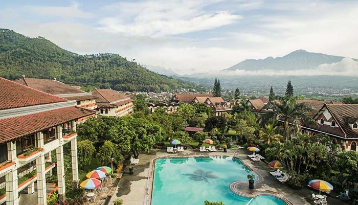 Royal Orchids Garden Hotel Malang - pemandangan dari atas