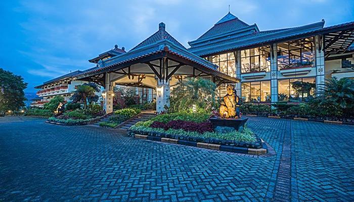 Royal Orchids Garden Hotel Malang - Pintu Masuk