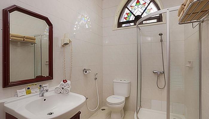 Royal Orchids Garden Hotel Malang - Catalya Deluxe, kamar mandi