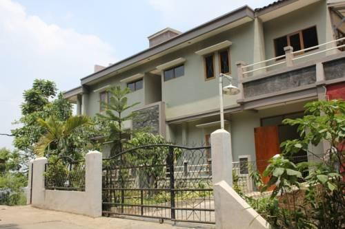 Dago Guest House Kampung Padi Bandung - (12/Feb/2014)