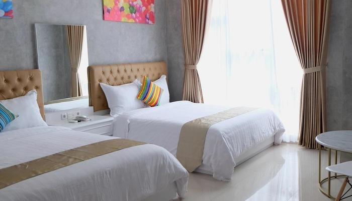 The Batik Bed & Coffee Bandung - Type Family Room. Twin King size