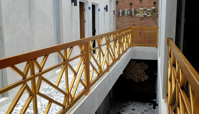 The Batik Bed & Coffee Bandung - koridor lt. 2