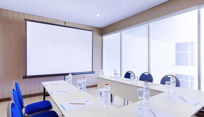 Ibis Budget Bandung Asia Afrika Bandung - Meeting Room