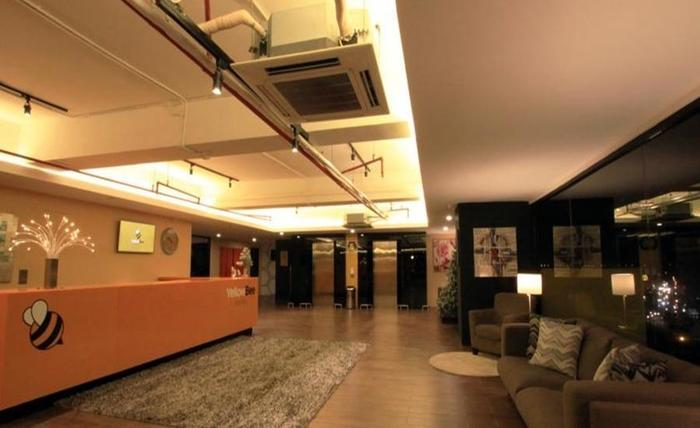Yellow Bee Hotel Tangerang - Interior
