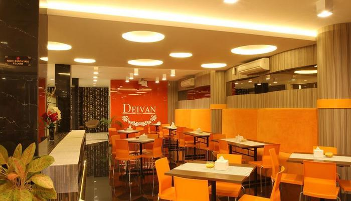 Deivan Hotel Padang - Ruang makan