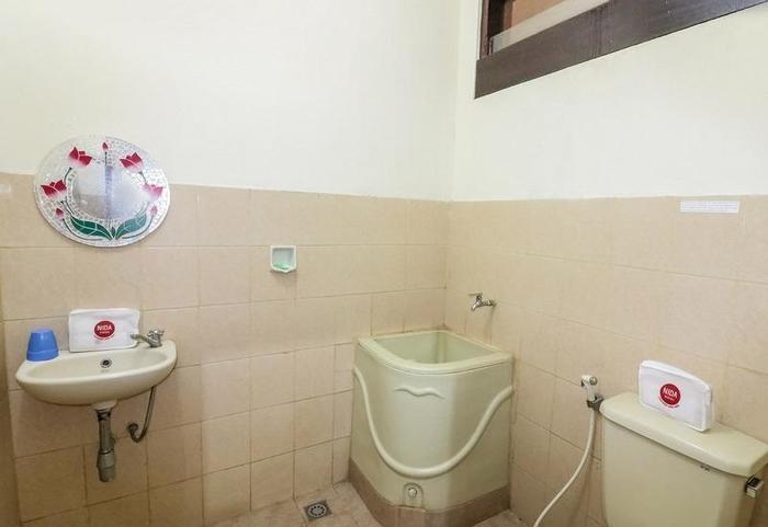NIDA Rooms Belakang Sopto Nudoyo Gallery Yogyakarta - Kamar mandi