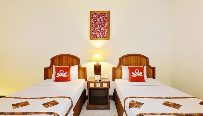 ZenRooms Jogja Cendrawasih Yogyakarta - Tampak tempat tidur twin