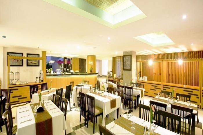 Grand La Villais Hotel & Spa Seminyak - Ruang makan