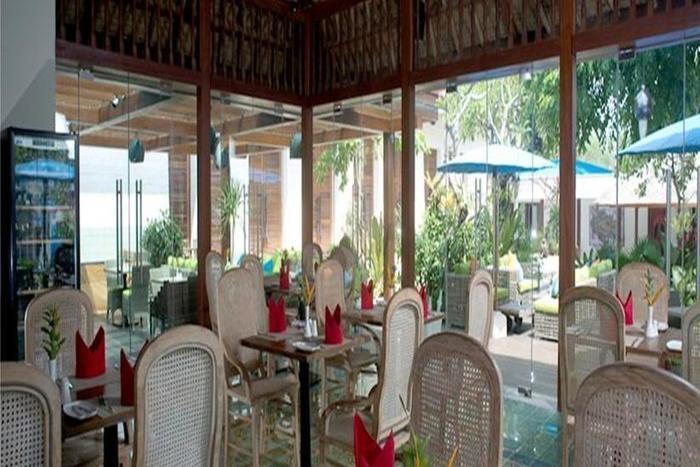 Sudamala Suites & Villas Bali - Ruang makan