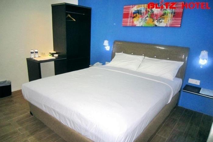 Blitz Hotel Batam - Kamar tamu