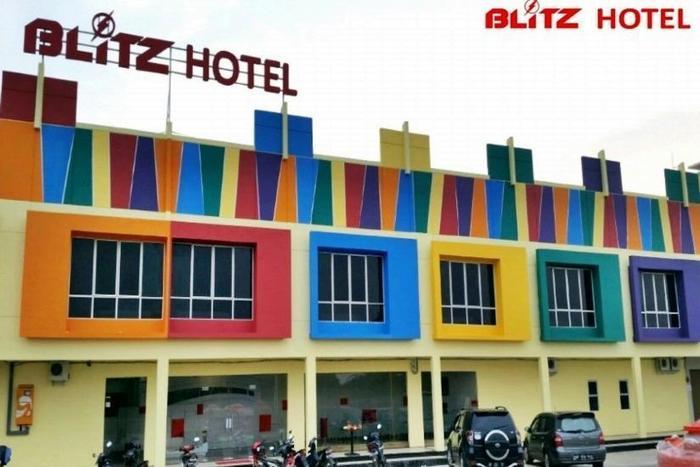 Blitz Hotel Batam - Tampilan Luar Hotel