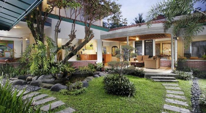 Cakra Kusuma Hotel Yogyakarta - Taman