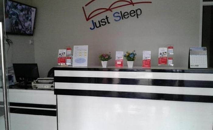 Just Sleep Guest House Samarinda - Resepsionis