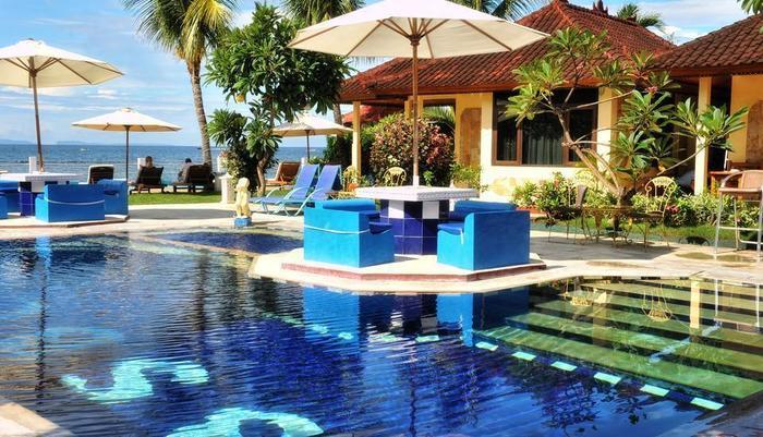 The Bali Shangrila Beach Club Bali - Kolam Renang dan area tempat duduk