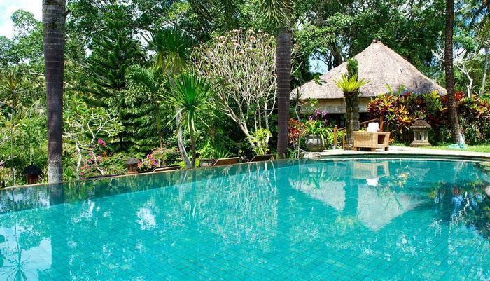Bunga Permai Hotel Bali - Kolam Renang