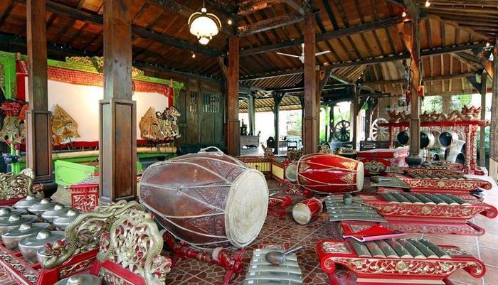 Joglo Plawang Yogyakarta - Gamelan