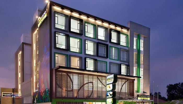 MaxOne Hotel Belitung - View
