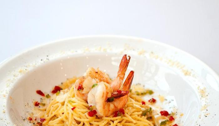 MaxOne Hotel Belitung - meals