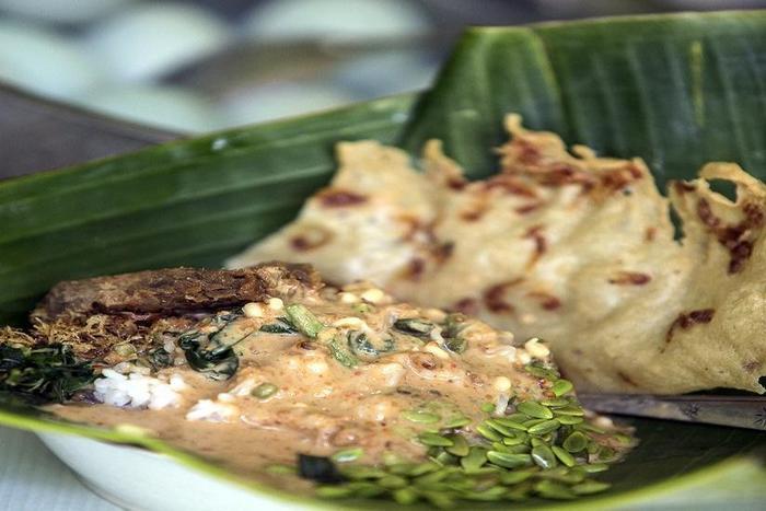 Hotel Amaris Madiun - Makanan tradisional