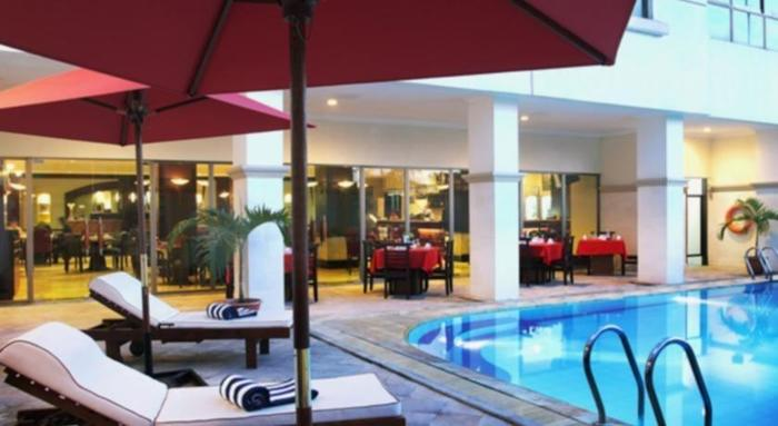 Swiss-Belhotel Tarakan - swimming pool
