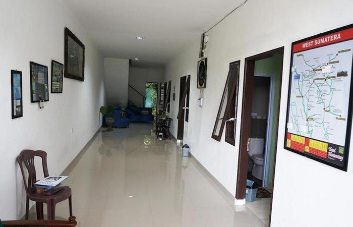 Yani Homestay Padang - Interior