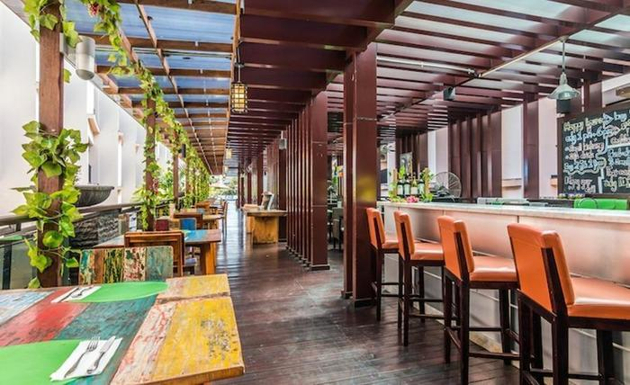 Tinggal Premium Raya Kuta Bali - Restoran