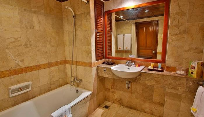 Jayakarta Hotel Lombok - Kamar Mandi Deluxe