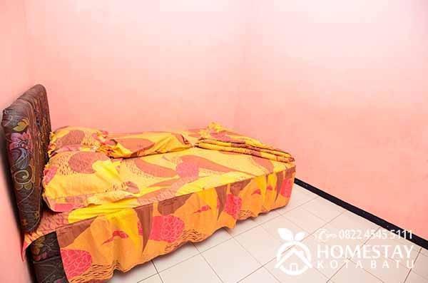 Dewata Homestay Malang - kamar 2