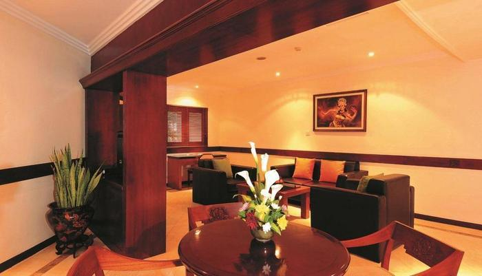 Discovery Kartika Plaza Hotel Bali - Junior Suite - Ruang Tamu