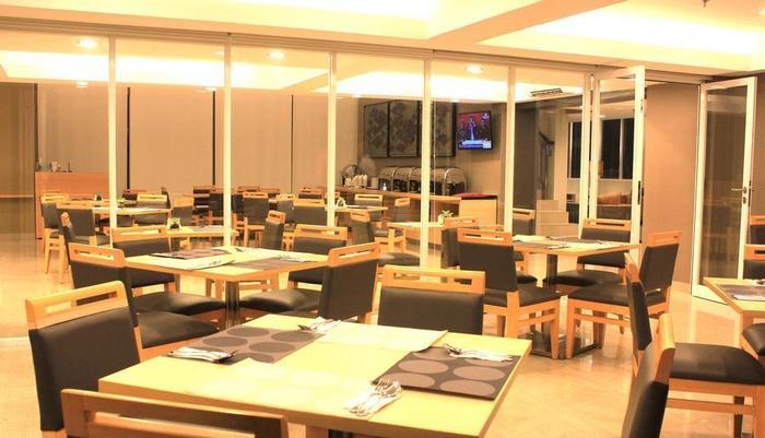 Metland Hotel Cirebon - Statsioen Koffie