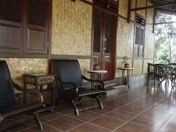 Resort Prima Sangkanhurip Kuningan - Teras Bungalow Kuwu