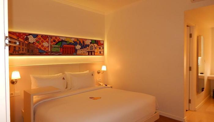 MaxOneHotels Glodok - Happiness Room