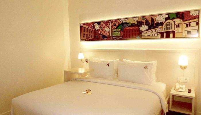 MaxOneHotels Glodok - Happiness Double Bed