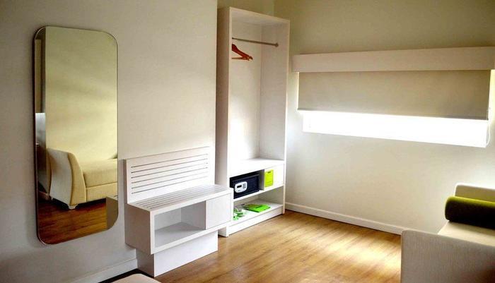 MaxOneHotels Glodok - Warmth Double Bed