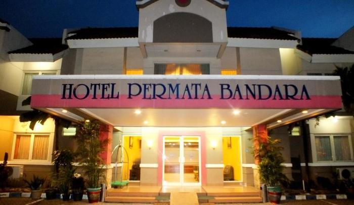 Hotel Permata Bandara Tangerang - Penampilan Hotel dari depan