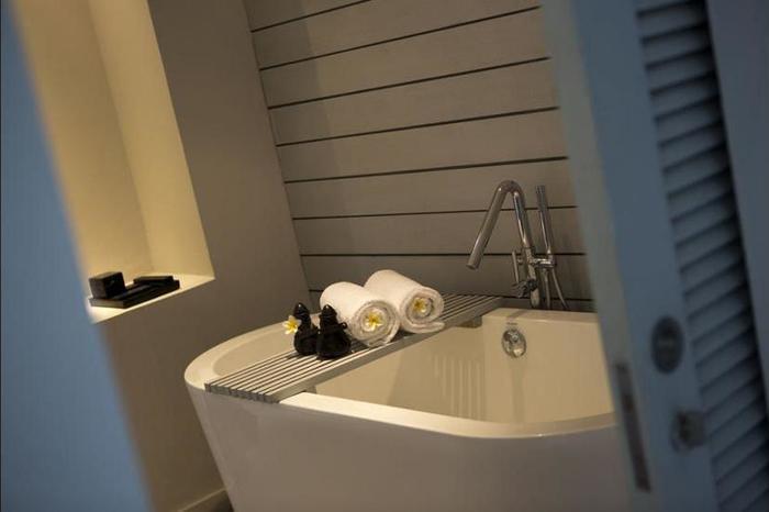 The Lombok Lodge Senggigi - Bathroom