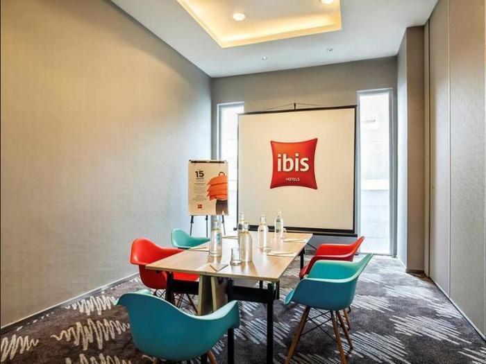 Ibis Harmoni Jakarta - Meeting Facility