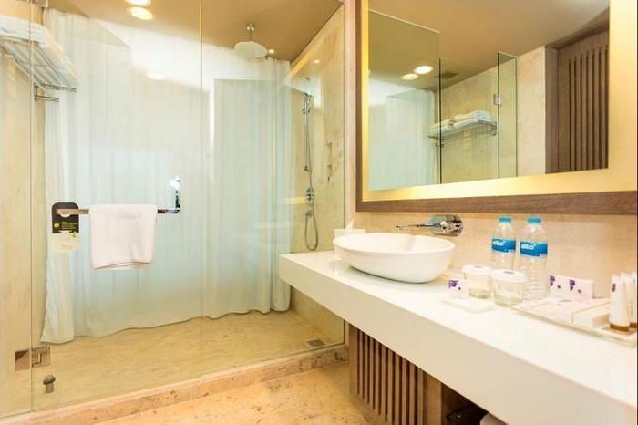 Grand Mercure Kemayoran Jakarta - Bathroom