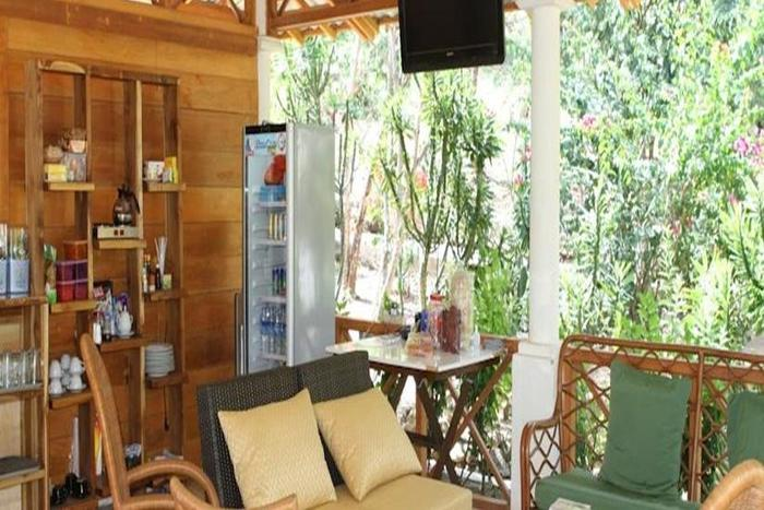 Waecicu Beach Inn Flores - Ruang Tamu