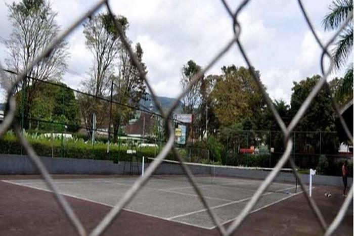 Grand Hotel Lembang - Tennis Field
