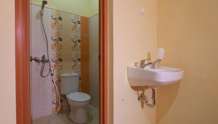Seroja Kostel Kusuma Yogyakarta - Bathroom