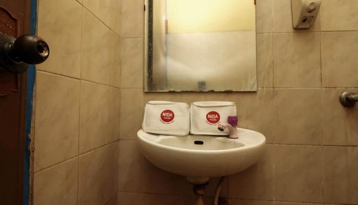 NIDA Rooms Kaji 44 Central Jakarta - Kamar mandi