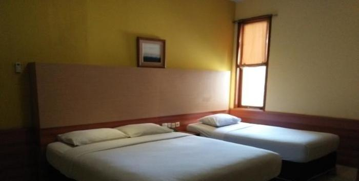 Hotel Progo Bandung - Triple Room