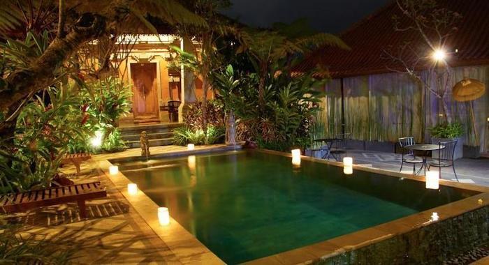 Ubud Hotel Malang - Pool