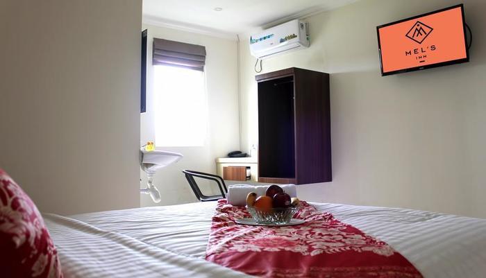Mel's Inn Manado - Deluxe room