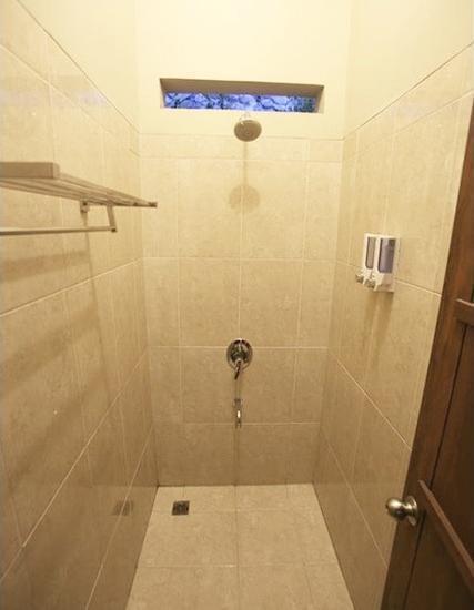 Pagupon Bromo Probolinggo - Bathroom