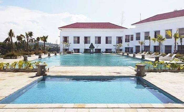 Allium Cepu Hotel Blora - Kolam Renang