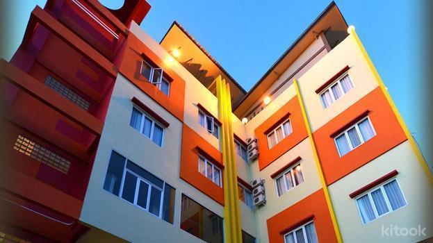 Hotel Wixel Kendari - Tampilan Luar Hotel