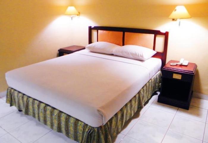 Hotel Yulia Gorontalo - Guest Room